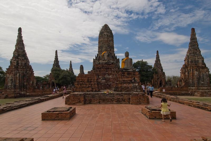 Wat Chaiwatthanaram 4 - Ayutthaya, Thailand.jpg
