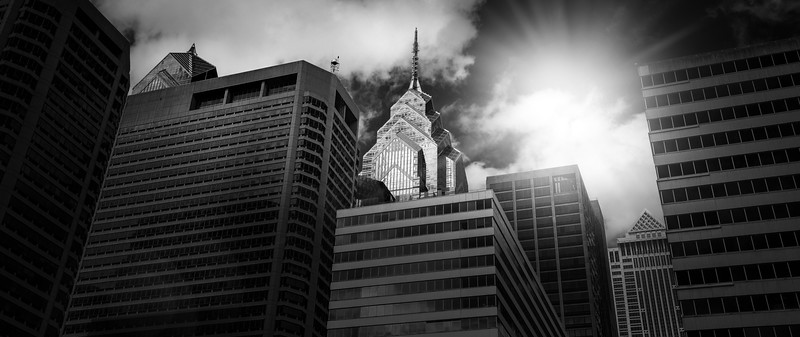 Philly Skyline bw-.jpg