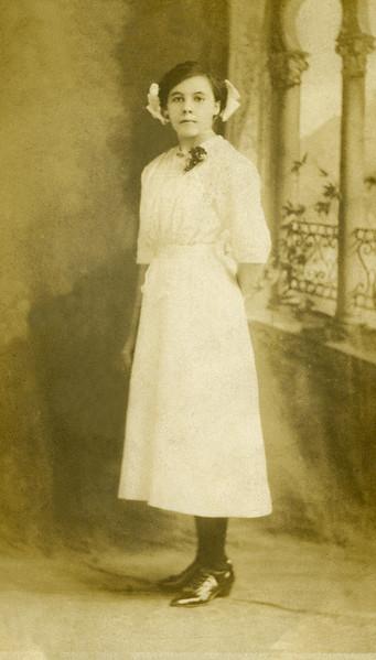 1912 Estella Dumm, June 12th (Age 14), Jantha, MO.jpg