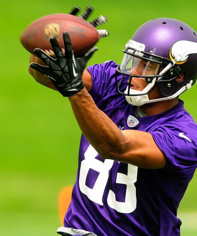 . Rookie wide receiver Rodney Smith catches a pass during Vikings practice at Winter Park on Wednesday. (Pioneer Press: Scott Takushi)