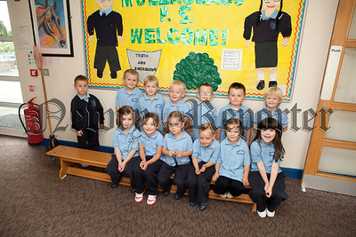 New Primary 1 class at Mullaglass Primary School. R1338021