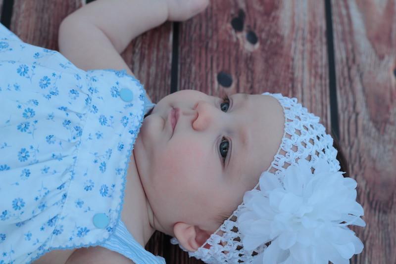 Evie-3 months (30).JPG
