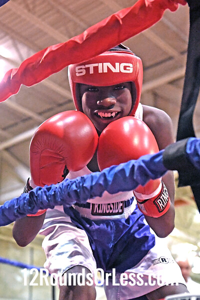 Bout 14 Tyshawn Denson, Red Gloves, ABA, Akron -vs- John Martinez, Blue Gloves, Wauseon BC, Wauseon, 95 Lbs, 12-13 Yrs