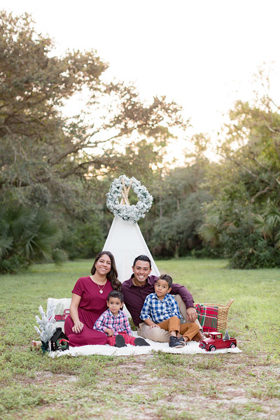 Ariza Family 2020-4.jpg