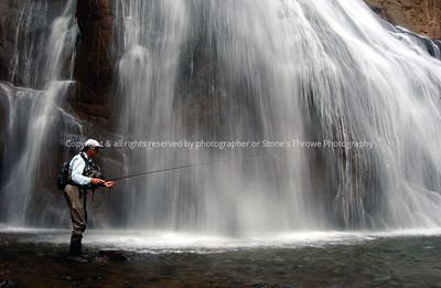 019-fisherman_yellowstone_river-yellowstone_ntl_park-10aug05-5656