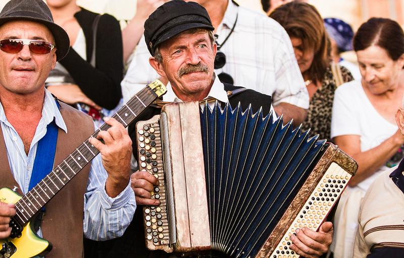 Guitar and accordion klezmer