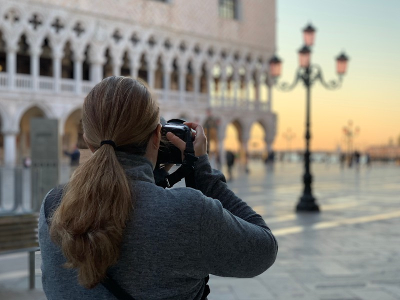 Lina Stock photographing Venice at sunrise