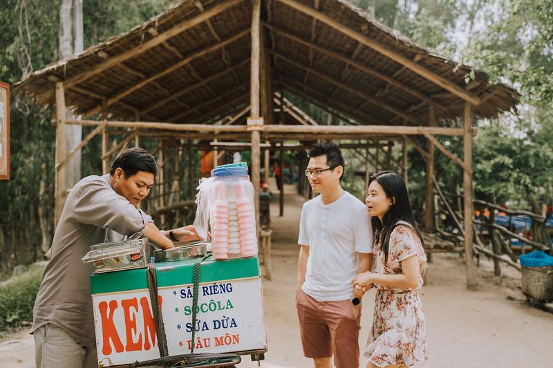 Tu Nguyen Wedding Mekong River Elopement Can Tho  - Southern Vietnam 19.jpg