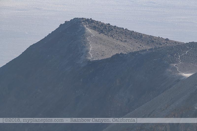 F20181108a082455_0987-paysage-montagnes-tempête de sable-Death Valley.jpg