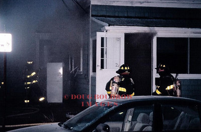 Winthrop, MA - Working Fire, 24 Tafts Ave, 1-11-04
