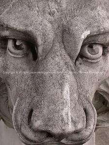 016-statue_detail-dsm-20nov04-6994