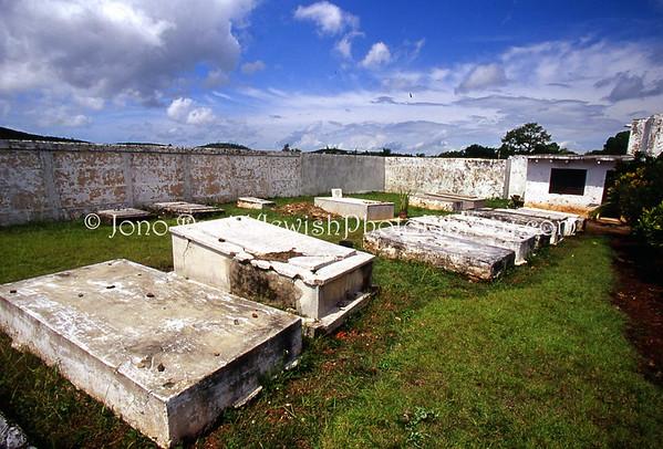 CUBA, Santa Clara. Cementerio Israelita. (2008)