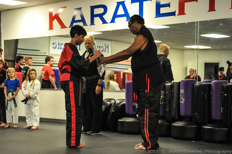 2017-11-01_AruAmogh_BlackBelt@KarateFitHockessinDE_35.JPG