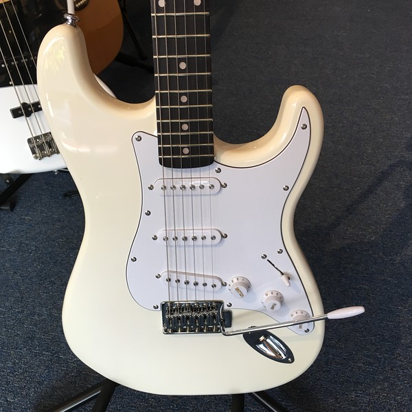 Silvertone Strat Electric Guitar SS15