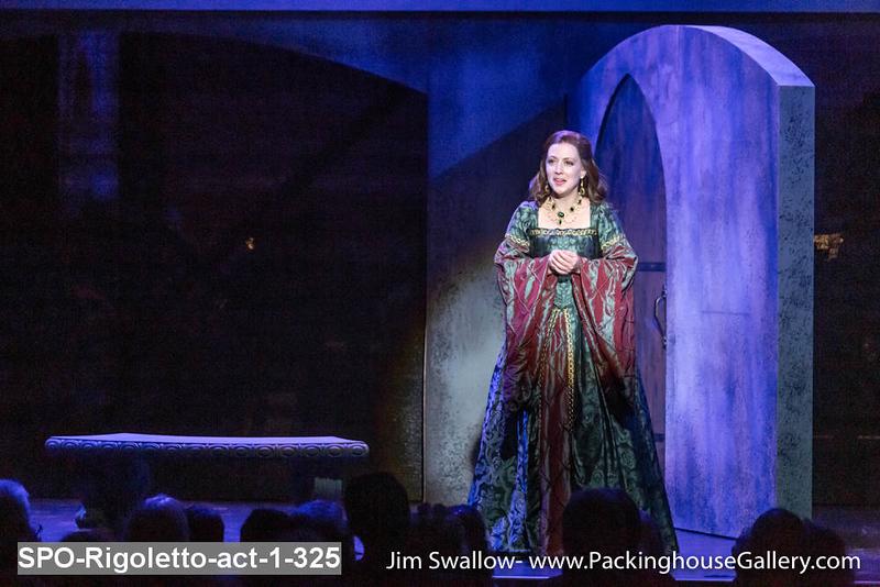 SPO-Rigoletto-act-1-325.jpg