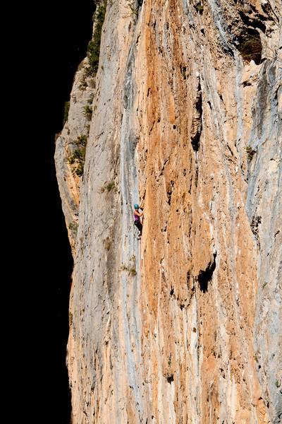 Cath in a sea of limestone on Eterna 7a+ La pedrera, Collegats, Spain