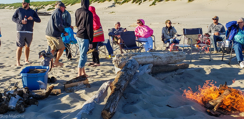 Beach Campfire Memorial (10 of 30).jpg