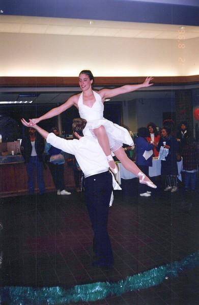 Dance_2324_a.jpg