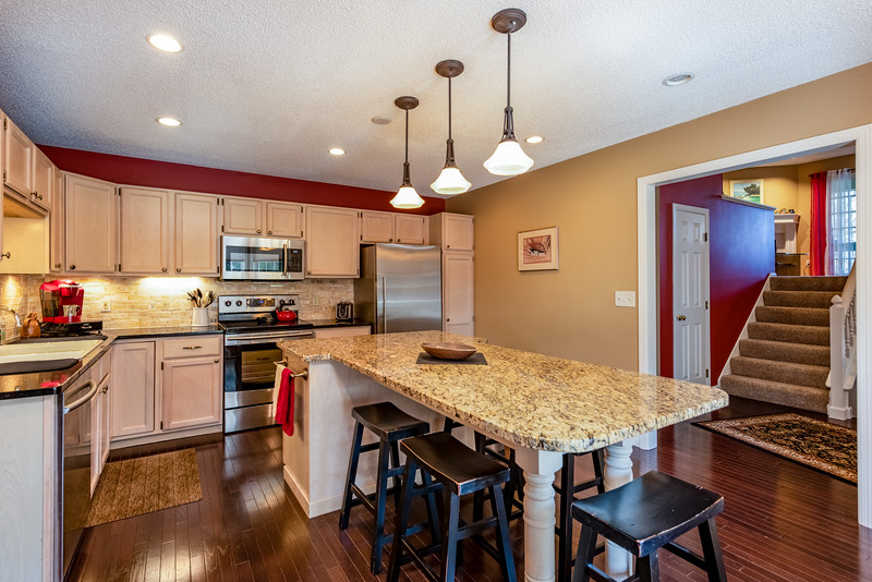 4267 Pond View Ct-3.jpg