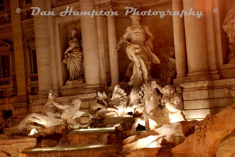 Trevi_Fountain (2).jpg