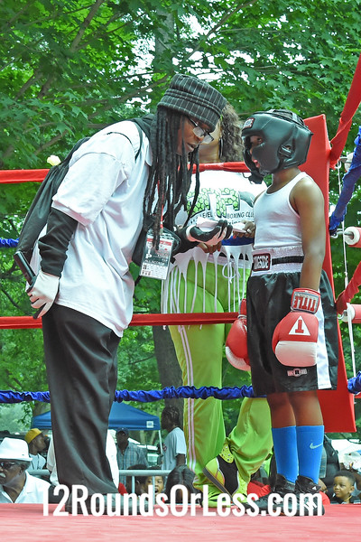Bout 3:   Daylon Houze, Red Gloves, 94 lbs -vs- Darius Smith, Blue Gloves, 99 lbs