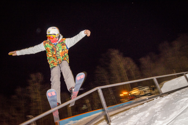 Nighttime-Rail-Jam_Snow-Trails-157.jpg