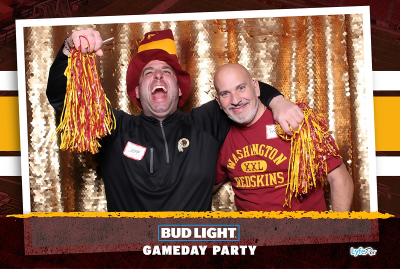 washington-redskins-philadelphia-eagles-football-bud-light-photobooth-20181203-204133.jpg
