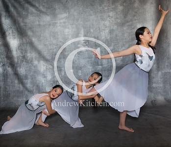 3 ballerinas