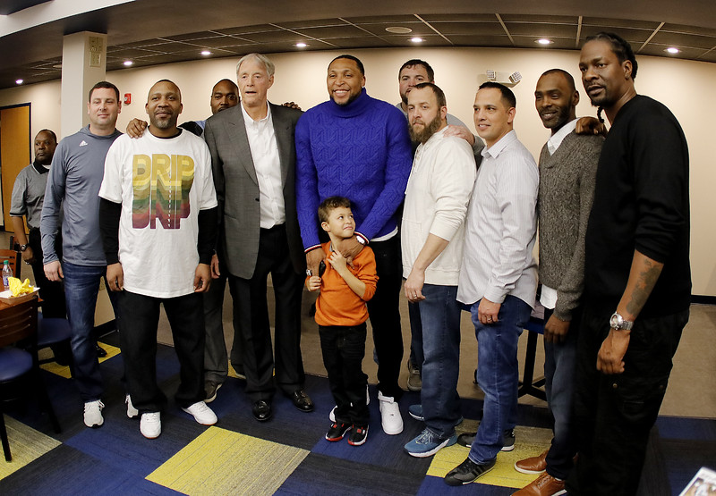 _MG_4443-Coaches-Players with Shawn.jpg