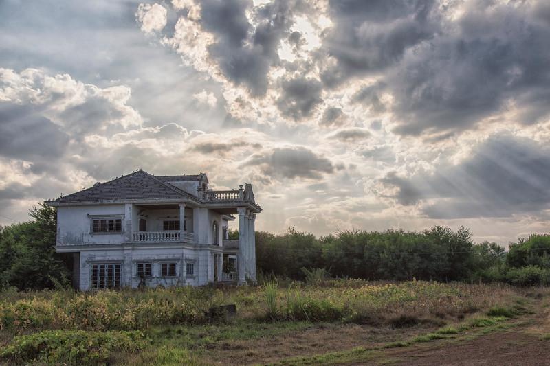 AbandonedMansdw20.jpg