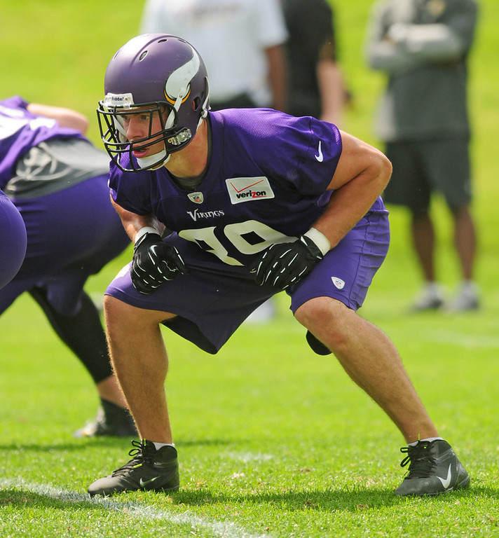 . Vikings tight end John Carlson lines up for a passing drill during the team\'s minicamp on Tuesday.  (Pioneer Press: Scott Takushi)