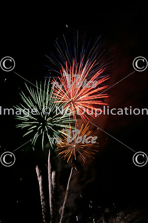 Carpentersville, Ill Fourth of July fireworks photos and video 6-28-14