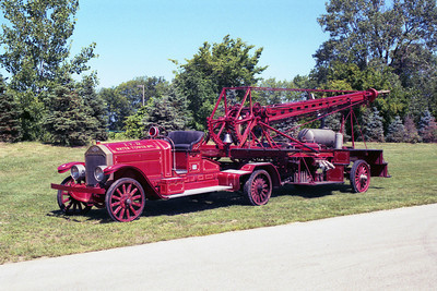 INDIANAPOLIS FD PAST VEHICLES AND STATIONS