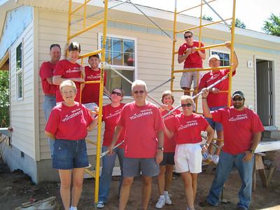 Wells Fargo Advisors work day on Apostles Build 7-27-11
