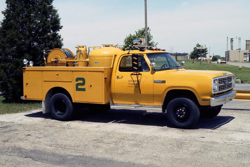 GLENVIEW NAS  CFR 2  1971 DODGE W400  150-0-200 ANSUL.jpg