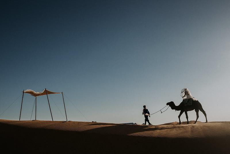 Tu-Nguyen-Destination-Wedding-Photographer-Morocco-Videographer-Sahara-Elopement-524.jpg