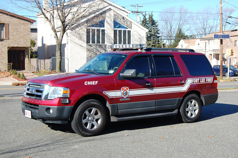 Fort Lee Command 8 2007 Ford Expedition Photo by Chris Tompkins.JPG