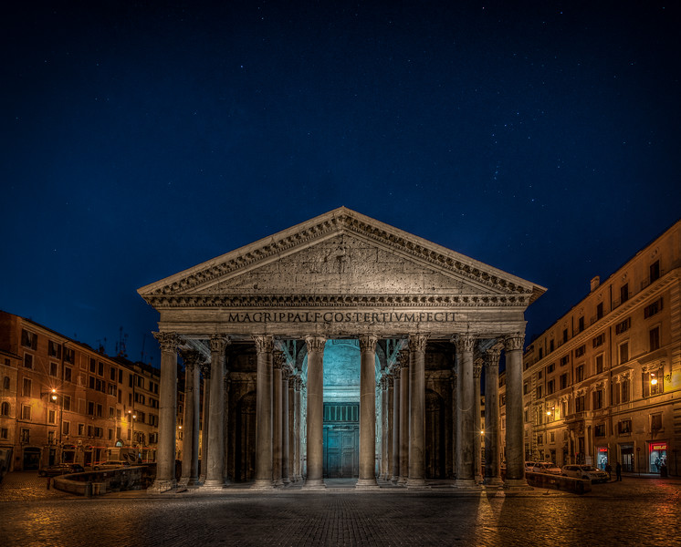 Stars above Pantheon in Rome