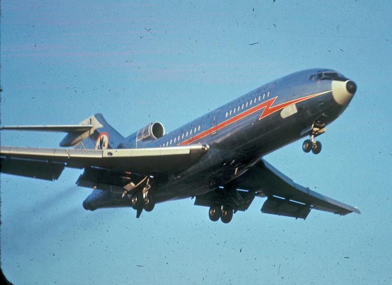 DTW 1966 AA 727small.jpg