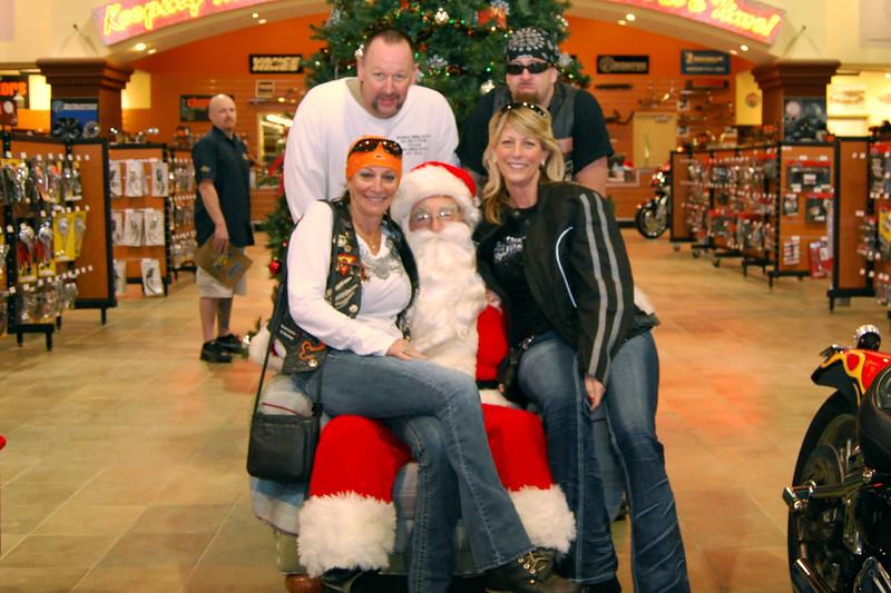 2013 Santa visits J&P Cycles Florida Superstore (10).JPG