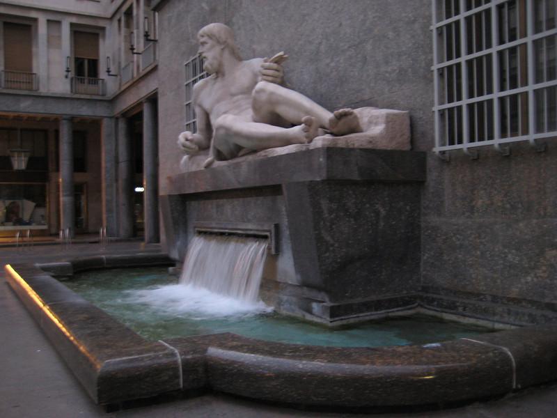 water_statue.jpg