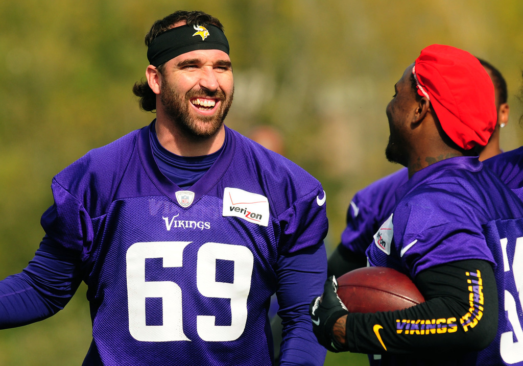 . Vikings defensive end Jared Allen laughs with linebacker Gerald Hodges, right, during practice. Allen is scheduled to start his 100th consecutive game at defensive end against the New York Giants on Monday.  (Pioneer Press: Scott Takushi)