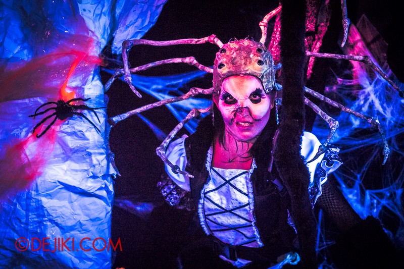 Downtown East - Escape to 'Hell'oween - The Terror Maze Haunted House 1 / Human Spider Queen