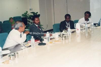 1994 - LAWATAN DARI ZIMBABWE KE IBU PEJABAT MARA