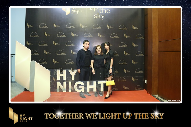 Buzz-Comm-Year-End-Party-instant-print-photo-booth-at-New-World-Saigon-Chup-hinh-lay-lien-Tat-nien-WefieBox-Photobooth-Vietnam-053.jpg