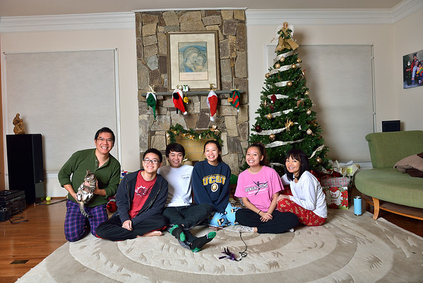 12-25-2019 (JPG) CHRISTMAS DAY MORNING OPENING PRESENTS