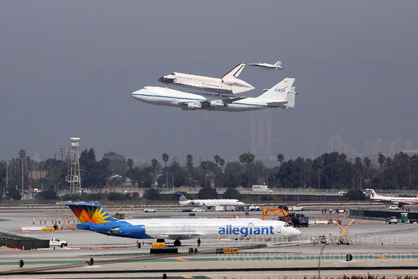 Endeavour Arrives in LA
