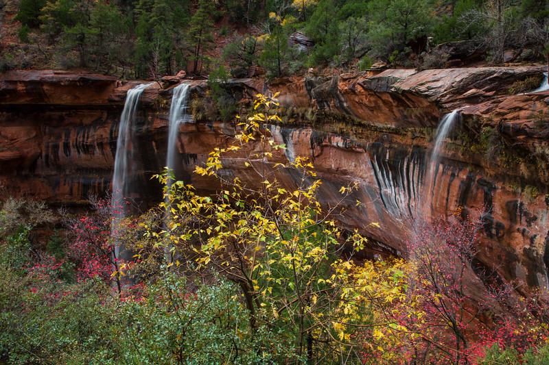 Waterfall & fall colors on the Emerald Falls hike