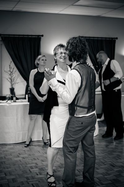 EDITS - Ryan and Lindsey Wedding 2014-347.jpg