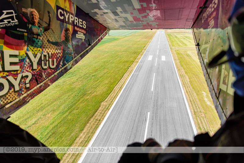 F20180609a105811_9173-décollage-Skyvan-porte ouverte-piste-Aalborg,Danemark.JPG